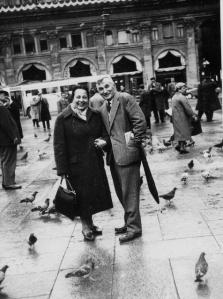 005 1961-05 Bologna Mrs Monti Gita del Liceo