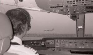Giorgio pronto al decollo (cabina d'un L1011, AZ 614 FCOBOS, dic.1993)